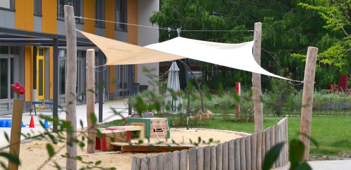 variable sonnensegel masten aus holz freiraumobjekte. Black Bedroom Furniture Sets. Home Design Ideas